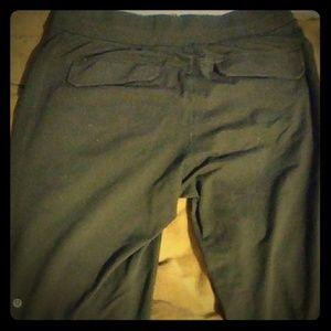 EUC men's LULULEMON sweatpants